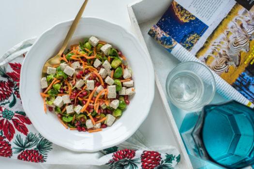 Prokelj salata sa narom i tofu sirom